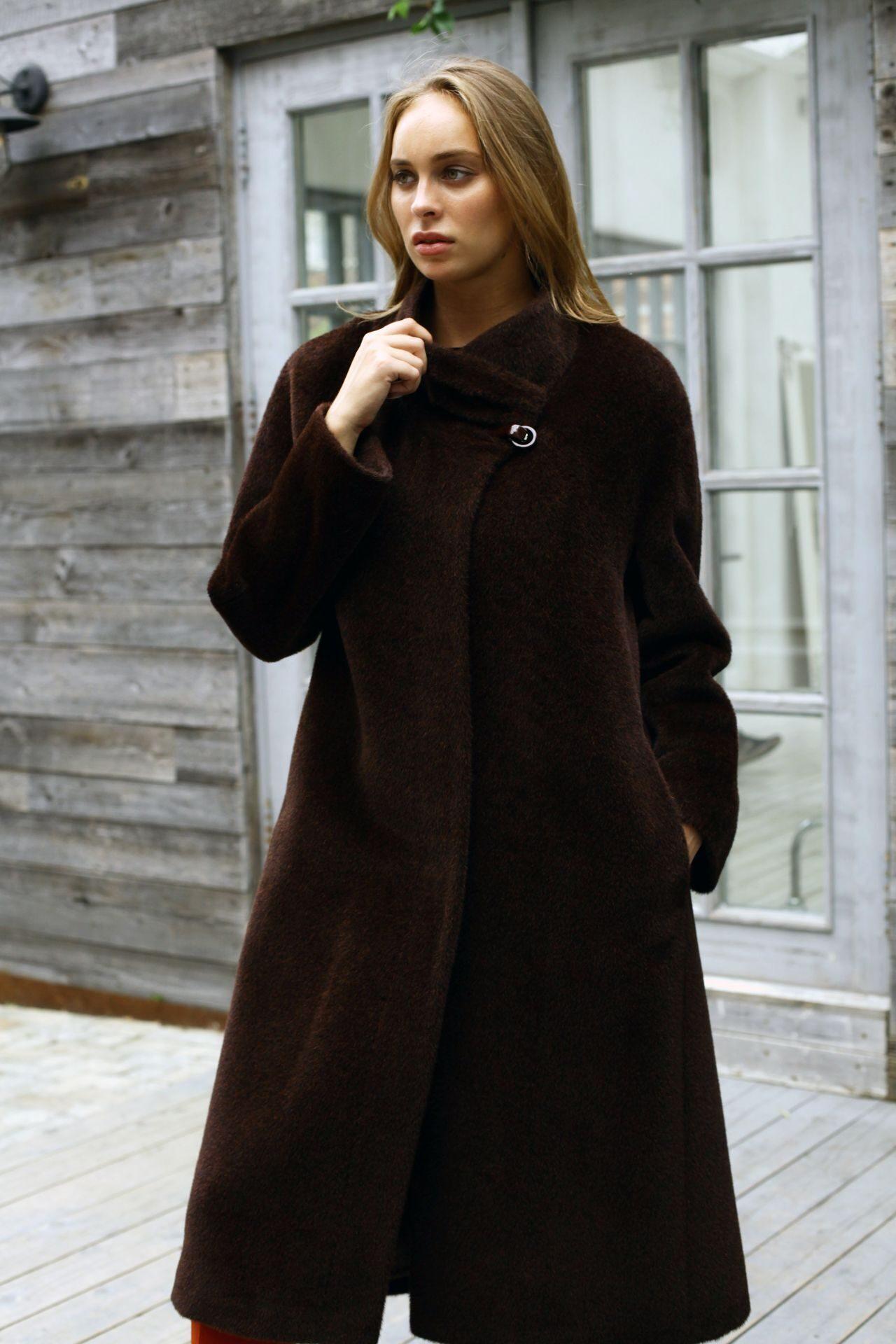 d3013618c2a Женское пальто из альпаки 2017